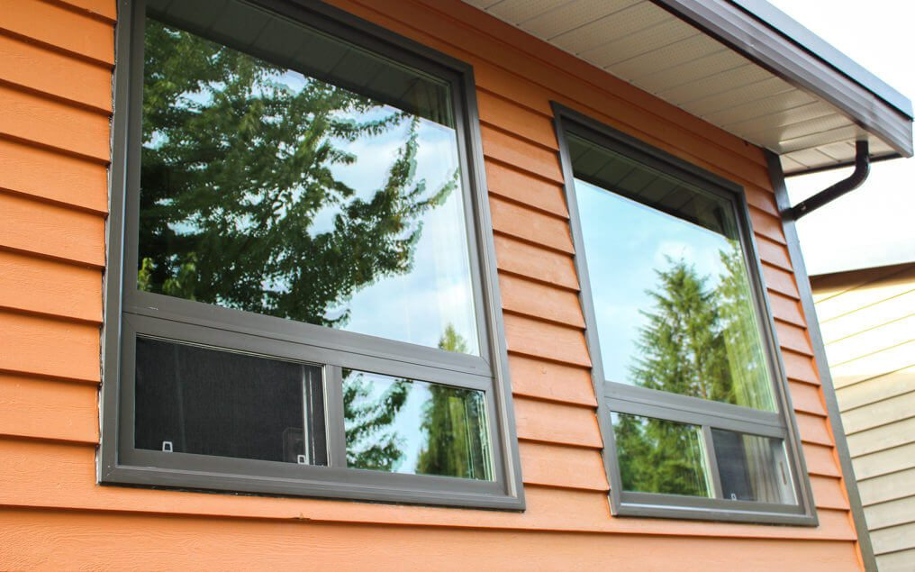 energy efficient vinyl horizontal window replacement with brickmold window flange