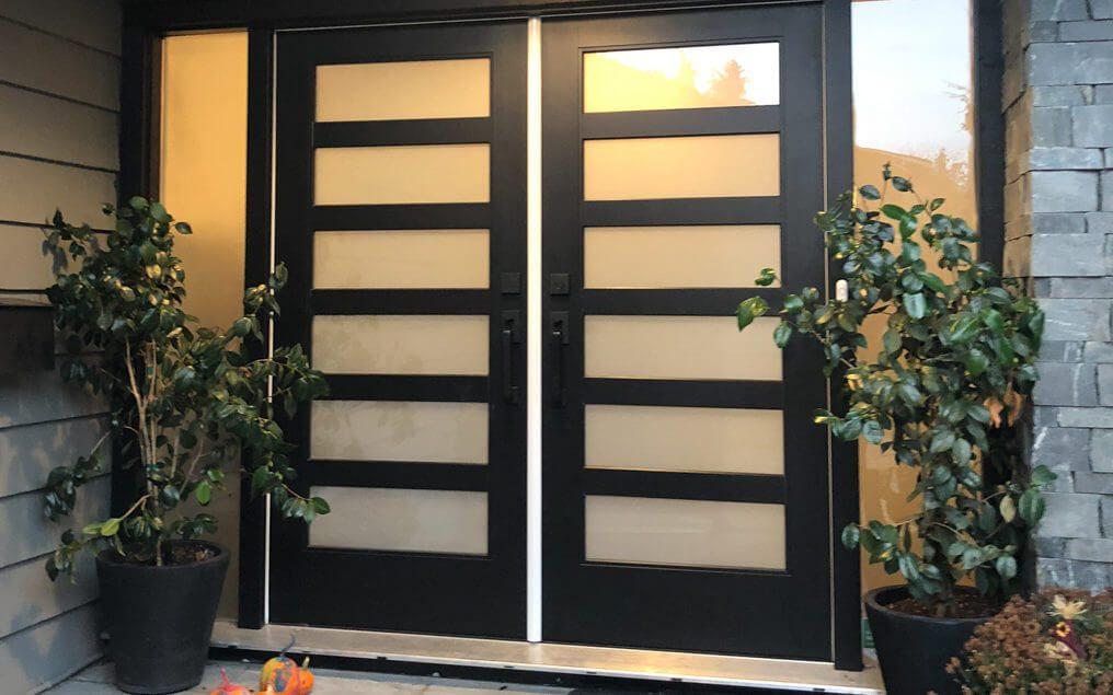 front door modern sidelite- double door-sidelite